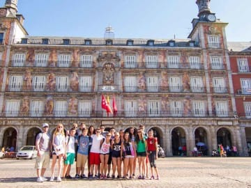 spain-group-building